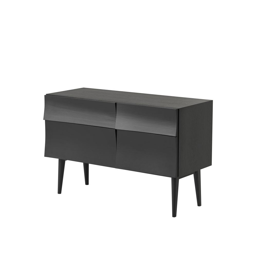 https://res.cloudinary.com/clippings/image/upload/t_big/dpr_auto,f_auto,w_auto/v1511248654/products/reflect-sideboard-muuto-clippings-9664361.jpg