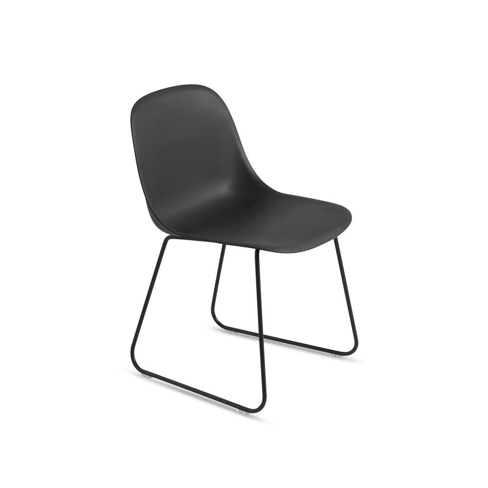 https://res.cloudinary.com/clippings/image/upload/t_big/dpr_auto,f_auto,w_auto/v1511336505/products/fiber-side-chair-sled-base-muuto-iskos-berlin-clippings-9674671.tiff