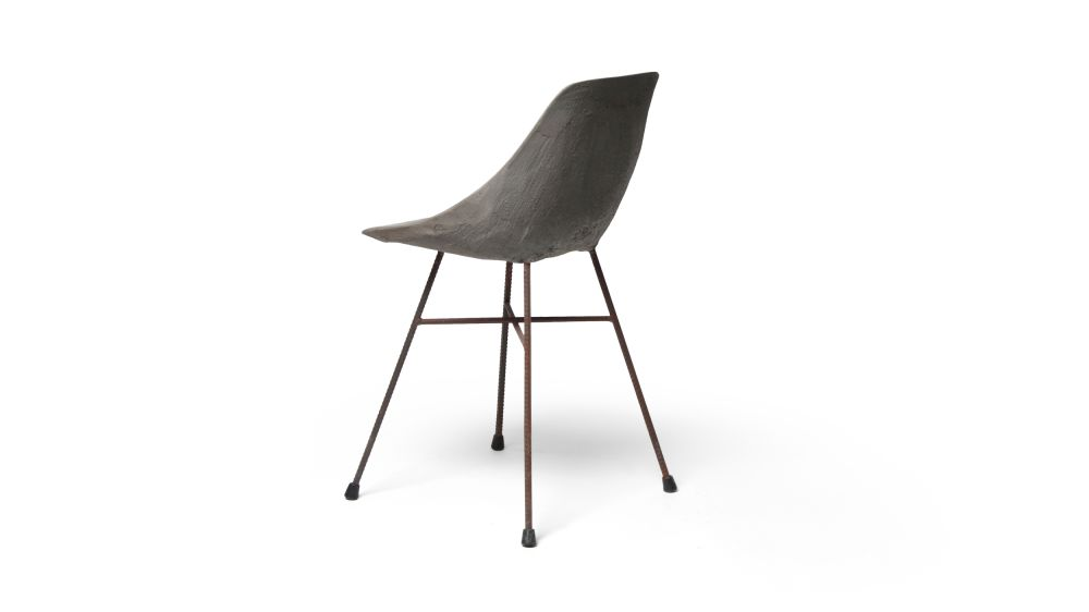 https://res.cloudinary.com/clippings/image/upload/t_big/dpr_auto,f_auto,w_auto/v1512035501/products/concrete-hauteville-chair-lyon-beton-julie-legros-henri-lavallard-boget-clippings-9698261.jpg