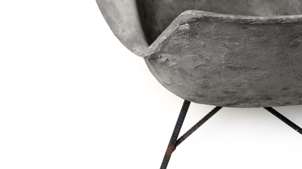https://res.cloudinary.com/clippings/image/upload/t_big/dpr_auto,f_auto,w_auto/v1512043758/products/concrete-hauteville-armchair-lyon-beton-julie-legros-henri-lavallard-boget-clippings-9702101.jpg