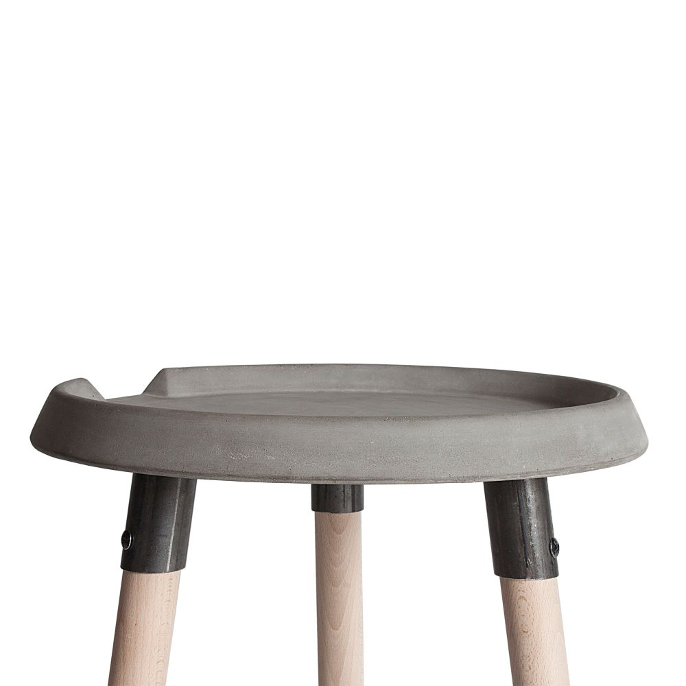 https://res.cloudinary.com/clippings/image/upload/t_big/dpr_auto,f_auto,w_auto/v1512112818/products/beton-mix-side-table-lyon-beton-bertrand-jayr-clippings-9706831.jpg