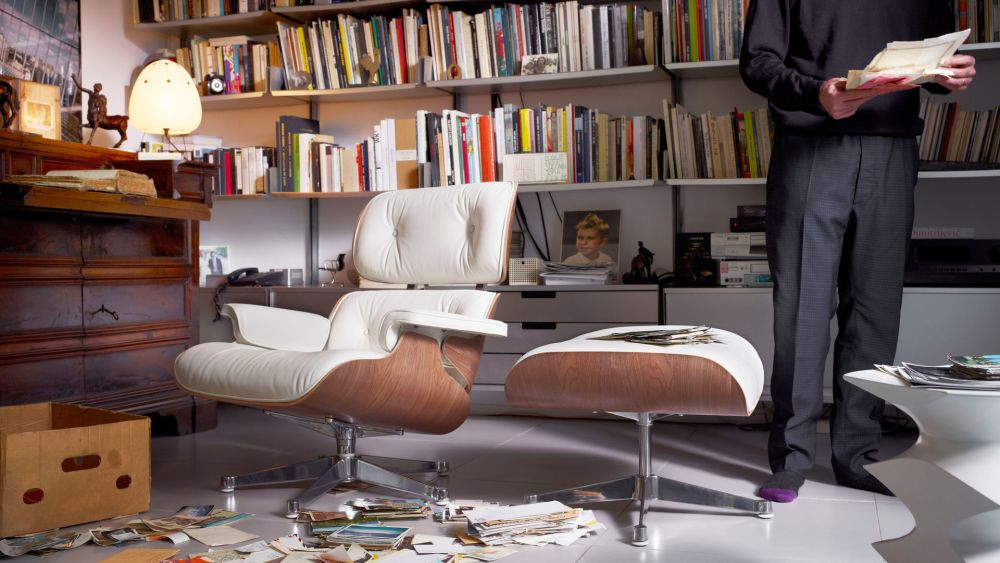 Vitra Eames Lounge Chair Ottoman White Pigmented Walnut Shell