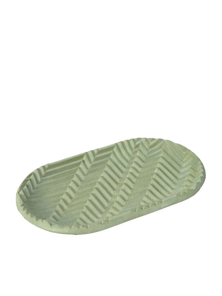 footwear,leaf