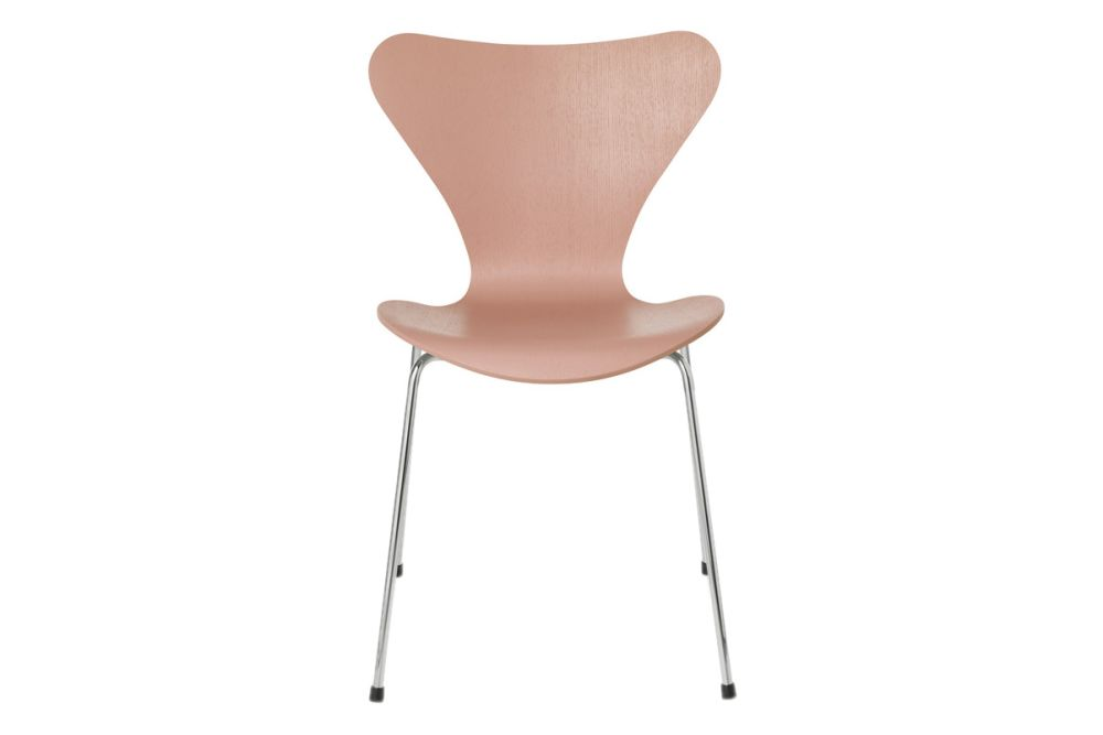 https://res.cloudinary.com/clippings/image/upload/t_big/dpr_auto,f_auto,w_auto/v1513550206/products/series-7-stackable-chair-republic-of-fritz-hansen-arne-jacobsen-clippings-9765091.jpg
