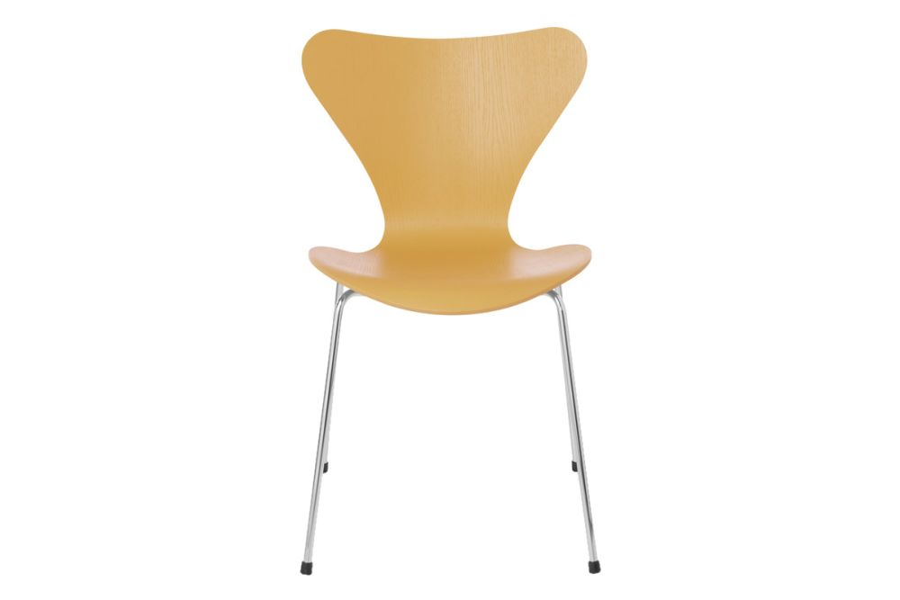 https://res.cloudinary.com/clippings/image/upload/t_big/dpr_auto,f_auto,w_auto/v1513550322/products/series-7-stackable-chair-republic-of-fritz-hansen-arne-jacobsen-clippings-9765111.jpg