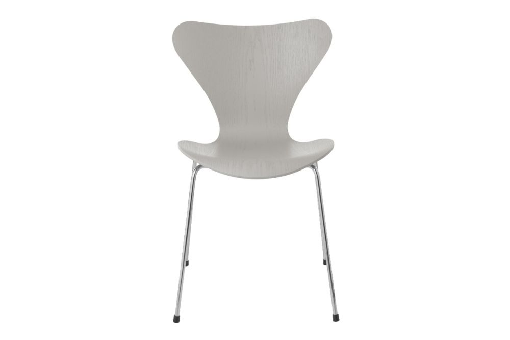 https://res.cloudinary.com/clippings/image/upload/t_big/dpr_auto,f_auto,w_auto/v1513550538/products/series-7-stackable-chair-republic-of-fritz-hansen-arne-jacobsen-clippings-9765141.jpg