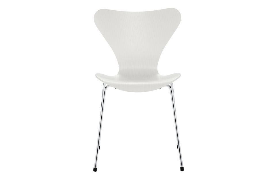 Series 7 Stackable Chair by Fritz Hansen