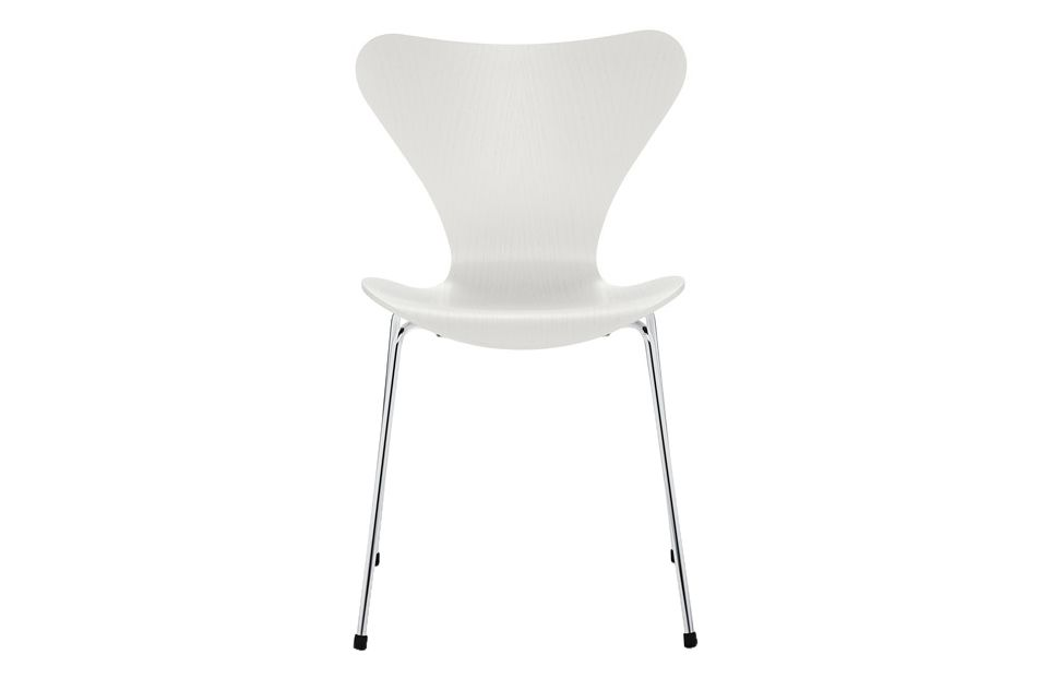 https://res.cloudinary.com/clippings/image/upload/t_big/dpr_auto,f_auto,w_auto/v1513550712/products/series-7-stackable-chair-republic-of-fritz-hansen-arne-jacobsen-clippings-9765171.jpg