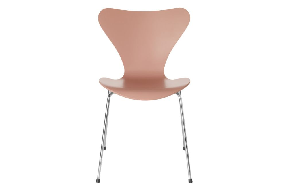https://res.cloudinary.com/clippings/image/upload/t_big/dpr_auto,f_auto,w_auto/v1513550889/products/series-7-stackable-chair-republic-of-fritz-hansen-arne-jacobsen-clippings-9765191.jpg