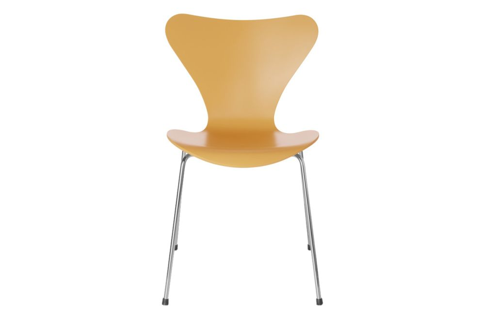 https://res.cloudinary.com/clippings/image/upload/t_big/dpr_auto,f_auto,w_auto/v1513551139/products/series-7-stackable-chair-republic-of-fritz-hansen-arne-jacobsen-clippings-9765221.jpg