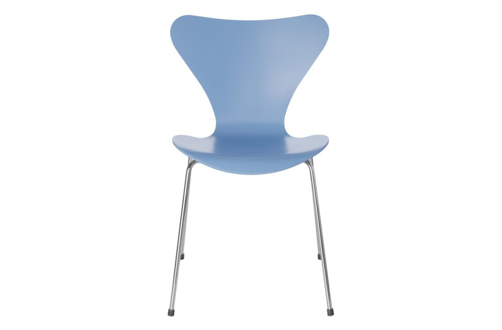 https://res.cloudinary.com/clippings/image/upload/t_big/dpr_auto,f_auto,w_auto/v1513551526/products/series-7-stackable-chair-republic-of-fritz-hansen-arne-jacobsen-clippings-9765271.jpg