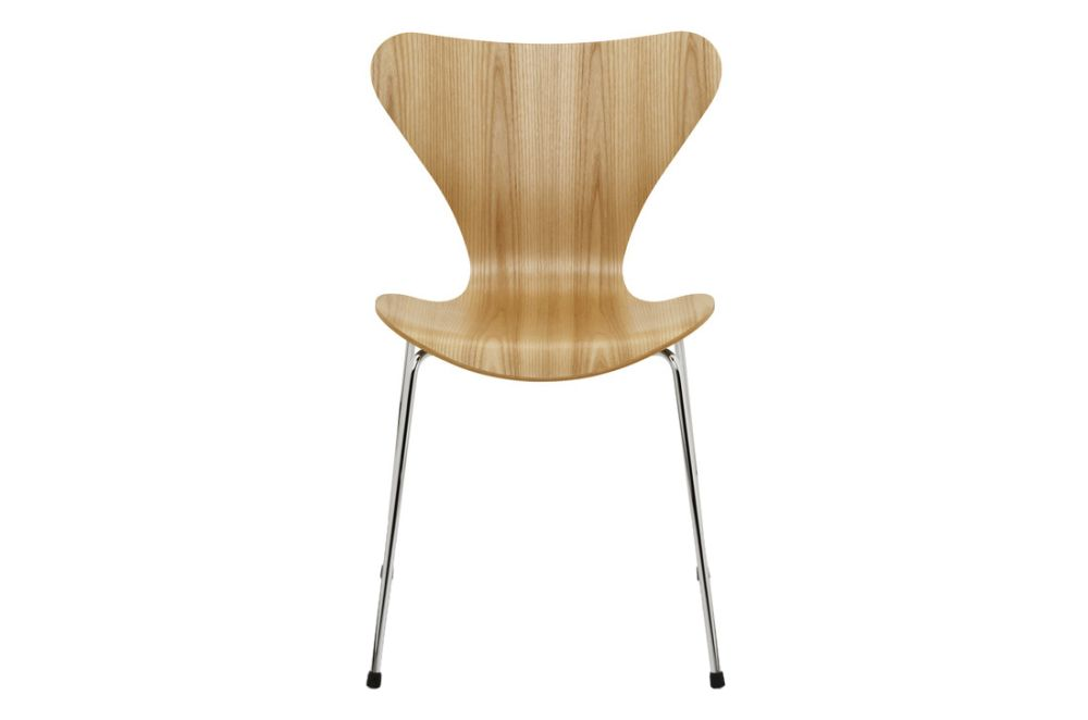 https://res.cloudinary.com/clippings/image/upload/t_big/dpr_auto,f_auto,w_auto/v1513551735/products/series-7-stackable-chair-republic-of-fritz-hansen-arne-jacobsen-clippings-9765311.jpg