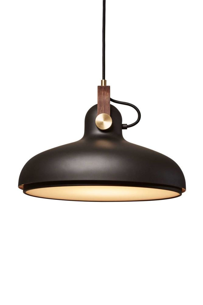 https://res.cloudinary.com/clippings/image/upload/t_big/dpr_auto,f_auto,w_auto/v1513936162/products/carronade-spot-pendant-light-le-klint-markus-johansson-clippings-9781511.jpg