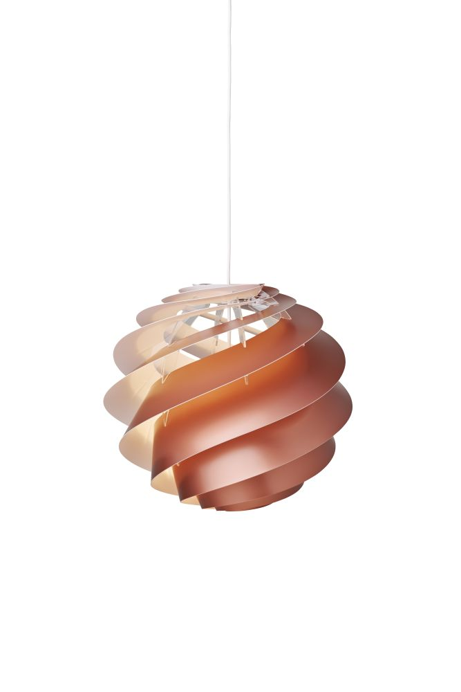 https://res.cloudinary.com/clippings/image/upload/t_big/dpr_auto,f_auto,w_auto/v1514963456/products/swirl-3-pendant-light-le-klint-%C3%B8ivind-slaatto-clippings-9788421.jpg