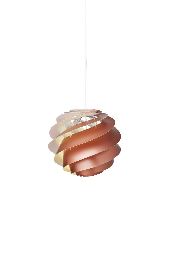 https://res.cloudinary.com/clippings/image/upload/t_big/dpr_auto,f_auto,w_auto/v1514963463/products/swirl-3-pendant-light-le-klint-%C3%B8ivind-slaatto-clippings-9788461.jpg