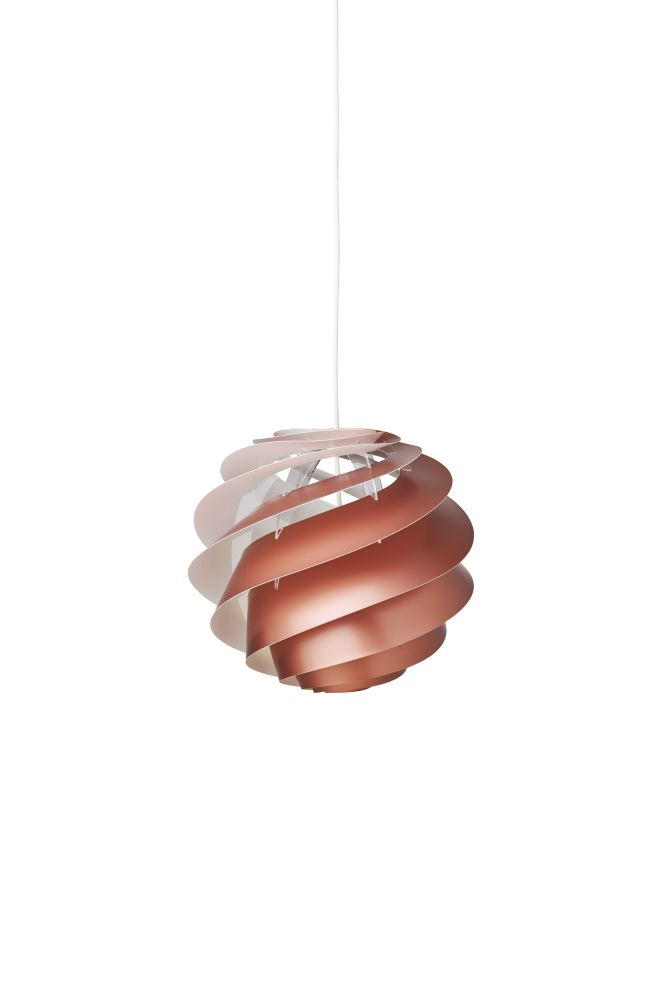 https://res.cloudinary.com/clippings/image/upload/t_big/dpr_auto,f_auto,w_auto/v1514963475/products/swirl-3-pendant-light-le-klint-%C3%B8ivind-slaatto-clippings-9788481.jpg