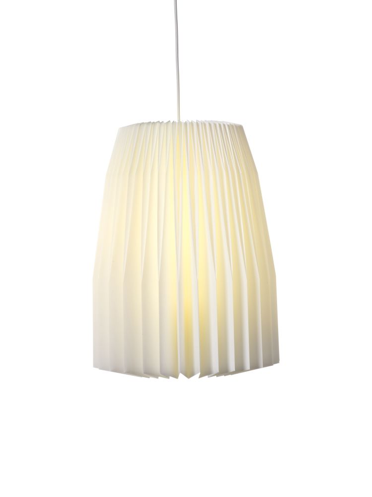 https://res.cloudinary.com/clippings/image/upload/t_big/dpr_auto,f_auto,w_auto/v1515126601/products/le-klint-148-pendant-light-le-klint-anna-mette-monnelly-clippings-9792291.jpg