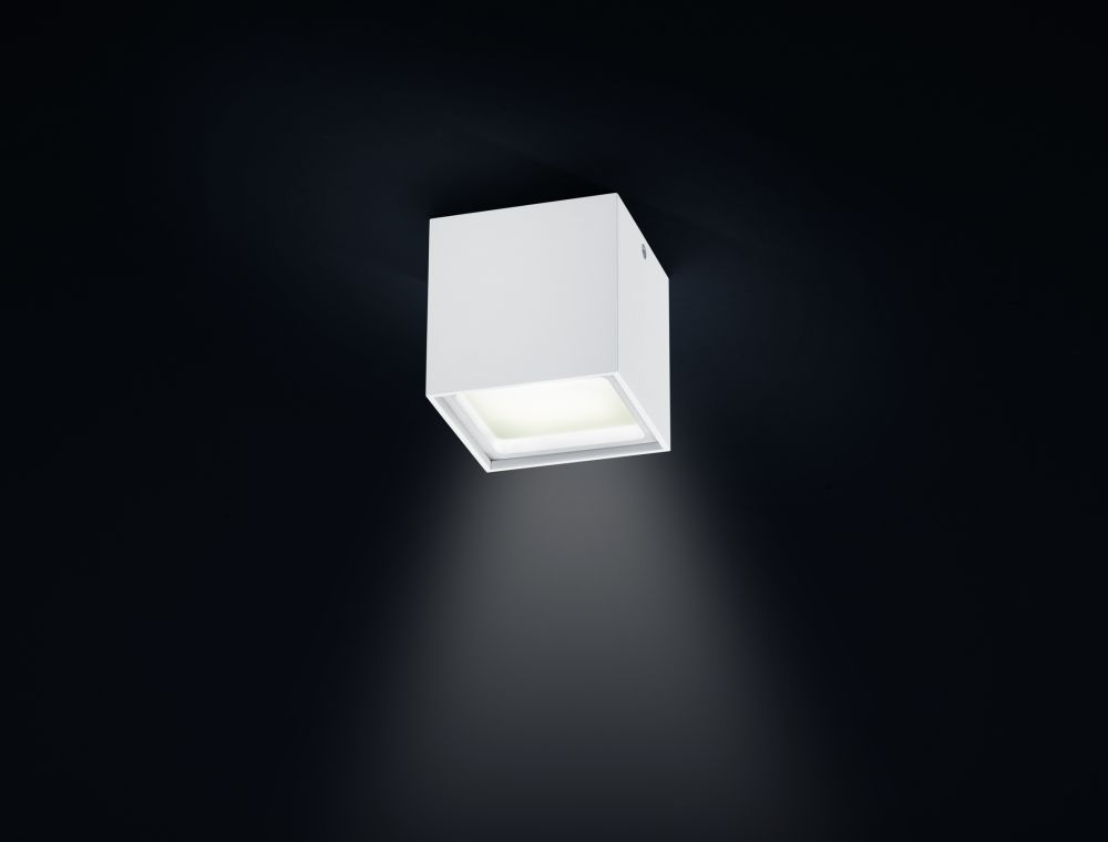 https://res.cloudinary.com/clippings/image/upload/t_big/dpr_auto,f_auto,w_auto/v1515664535/products/siri-led-ceiling-light-helestra-clippings-9802601.jpg