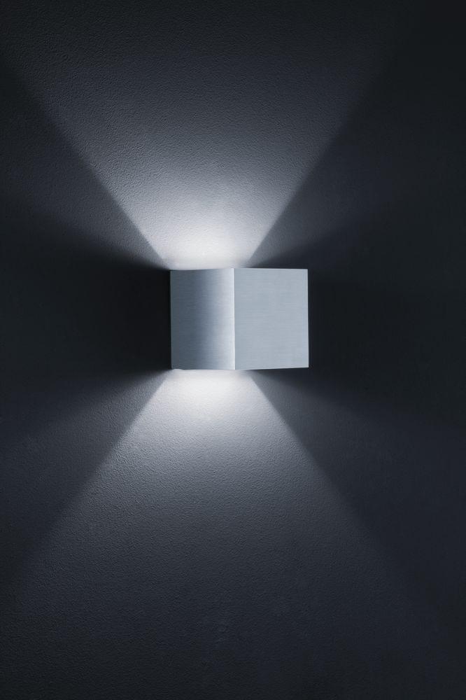 Siri Wall Light by Helestra