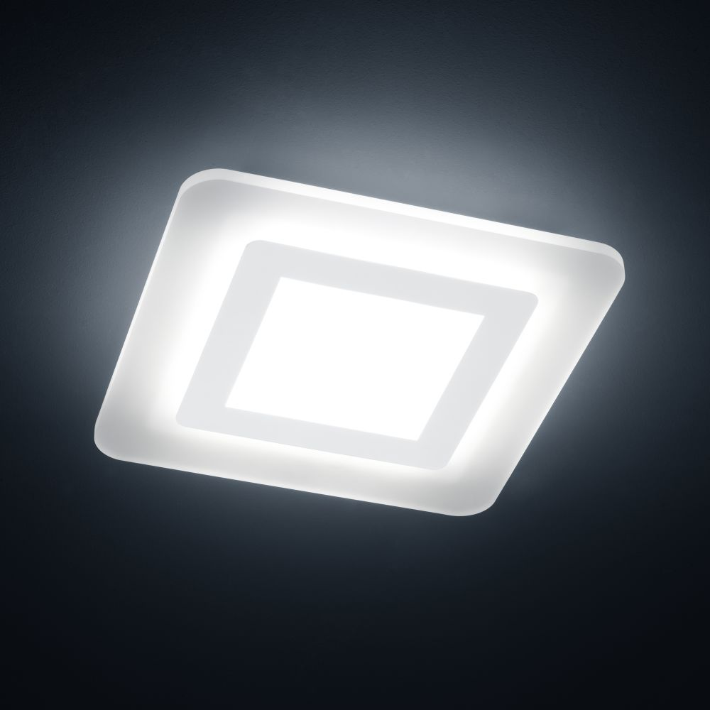https://res.cloudinary.com/clippings/image/upload/t_big/dpr_auto,f_auto,w_auto/v1515669667/products/wes-square-ceiling-light-helestra-clippings-9802971.jpg