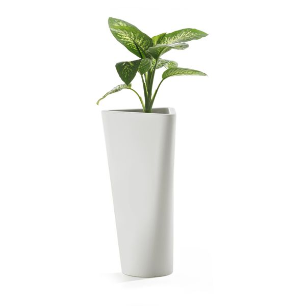 https://res.cloudinary.com/clippings/image/upload/t_big/dpr_auto,f_auto,w_auto/v1516101569/products/eve-vase-b-line-busetti-garuti-redaelli-clippings-9807841.jpg