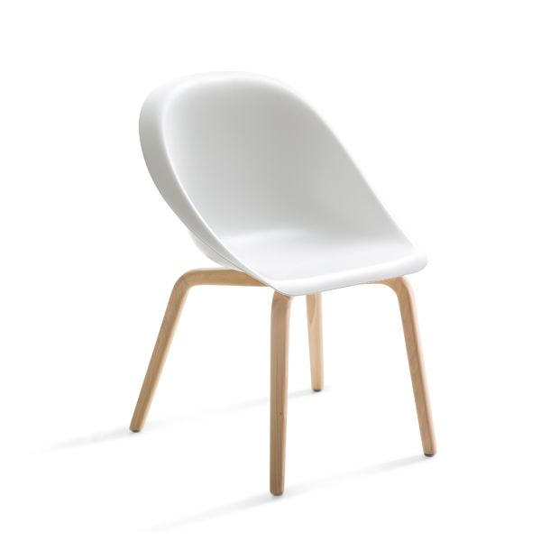 https://res.cloudinary.com/clippings/image/upload/t_big/dpr_auto,f_auto,w_auto/v1516102428/products/hoop-chair-b-line-karim-rashid-clippings-9807951.jpg