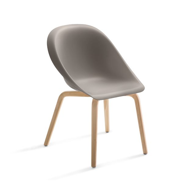 https://res.cloudinary.com/clippings/image/upload/t_big/dpr_auto,f_auto,w_auto/v1516102428/products/hoop-chair-b-line-karim-rashid-clippings-9807961.jpg