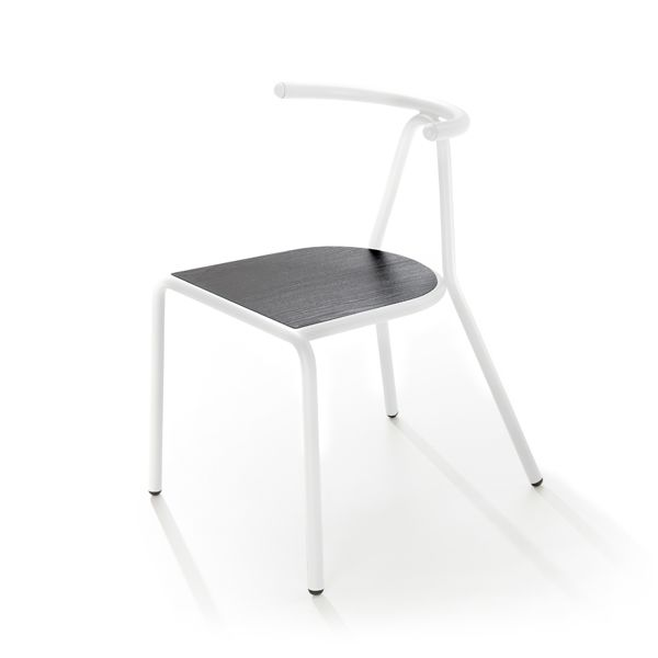 https://res.cloudinary.com/clippings/image/upload/t_big/dpr_auto,f_auto,w_auto/v1516178724/products/toro-chair-b-line-michael-geldmacher-clippings-9810491.jpg