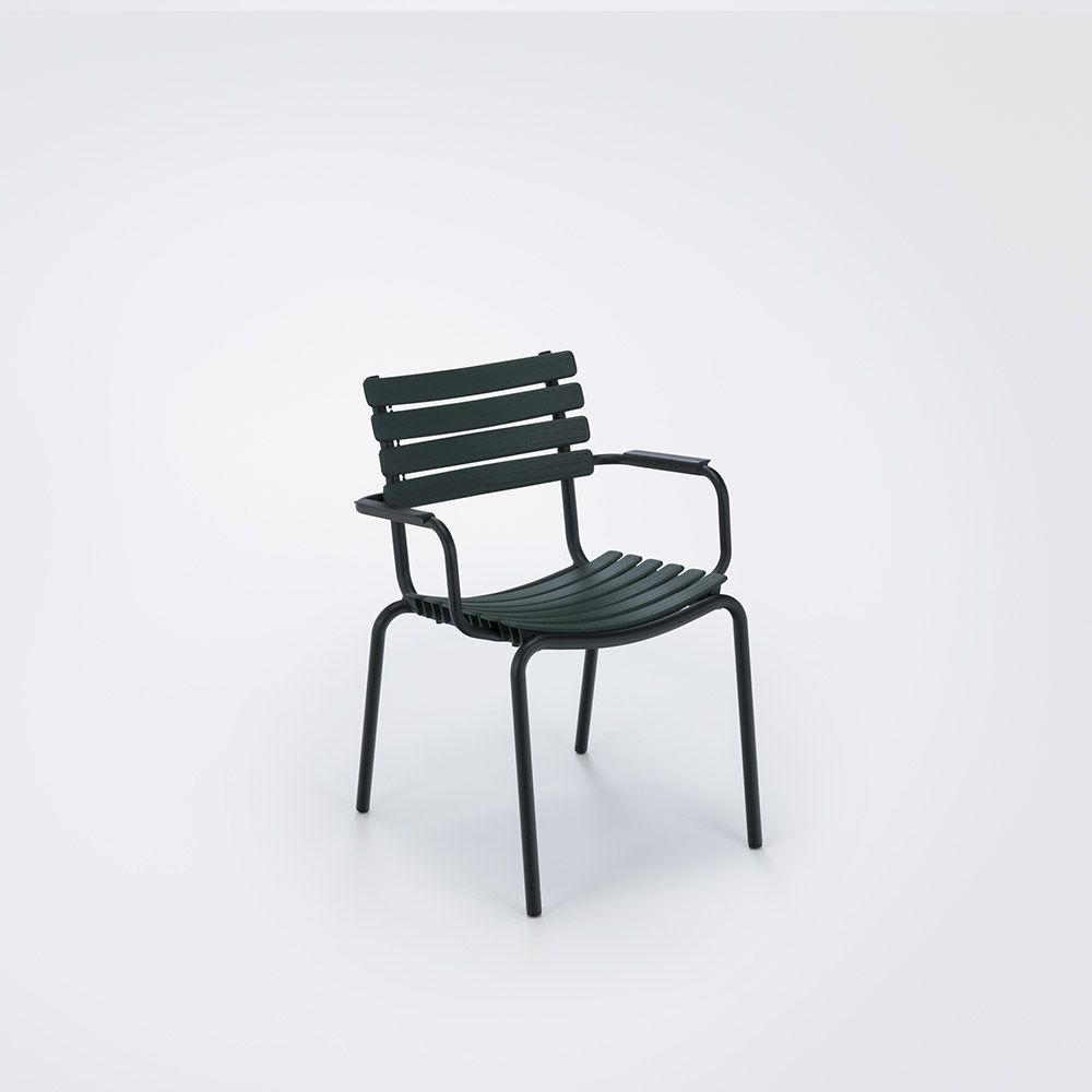 https://res.cloudinary.com/clippings/image/upload/t_big/dpr_auto,f_auto,w_auto/v1516352561/products/clips-dining-chair-with-armrests-houe-henrik-pedersen-clippings-9815251.jpg