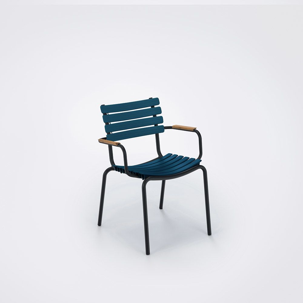 https://res.cloudinary.com/clippings/image/upload/t_big/dpr_auto,f_auto,w_auto/v1516352669/products/clips-dining-chair-with-armrests-houe-henrik-pedersen-clippings-9815341.jpg