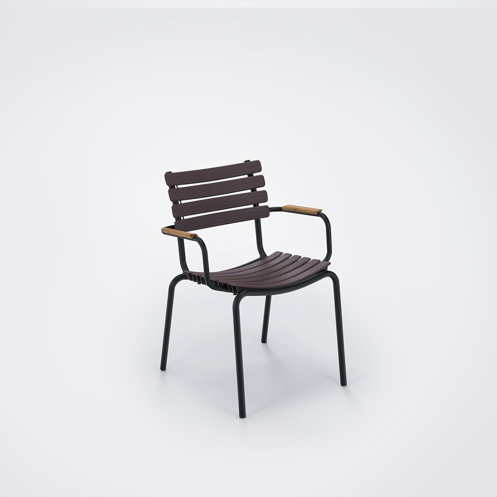 https://res.cloudinary.com/clippings/image/upload/t_big/dpr_auto,f_auto,w_auto/v1516352669/products/clips-dining-chair-with-armrests-houe-henrik-pedersen-clippings-9815371.jpg