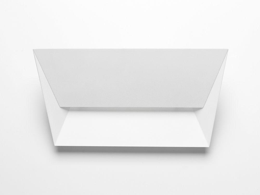 https://res.cloudinary.com/clippings/image/upload/t_big/dpr_auto,f_auto,w_auto/v1518071885/products/mail-wall-light-lumen-center-italia-alberto-saggia-valeria-sommella-clippings-9847681.jpg
