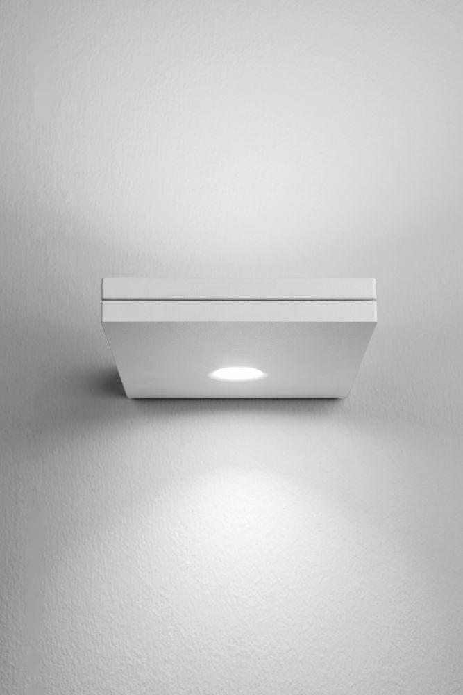 https://res.cloudinary.com/clippings/image/upload/t_big/dpr_auto,f_auto,w_auto/v1518080365/products/segno-maxi-double-wall-light-lumen-center-italia-villatosca-clippings-9848221.jpg