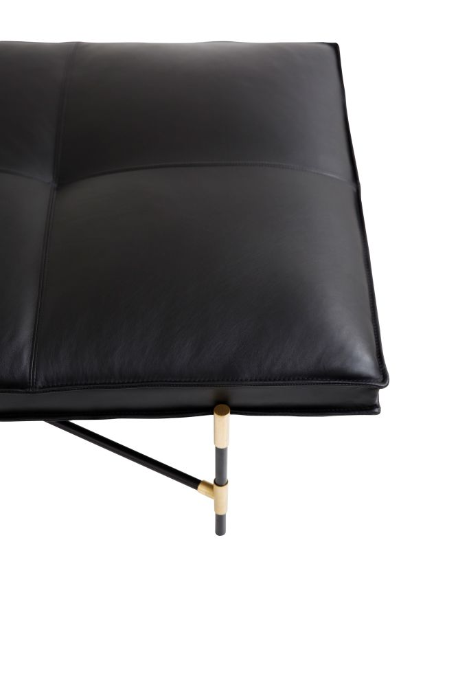 https://res.cloudinary.com/clippings/image/upload/t_big/dpr_auto,f_auto,w_auto/v1519056657/products/handv%C3%A4rk-daybed-brass-details-handv%C3%A4rk-emil-thorup-clippings-9873771.jpg