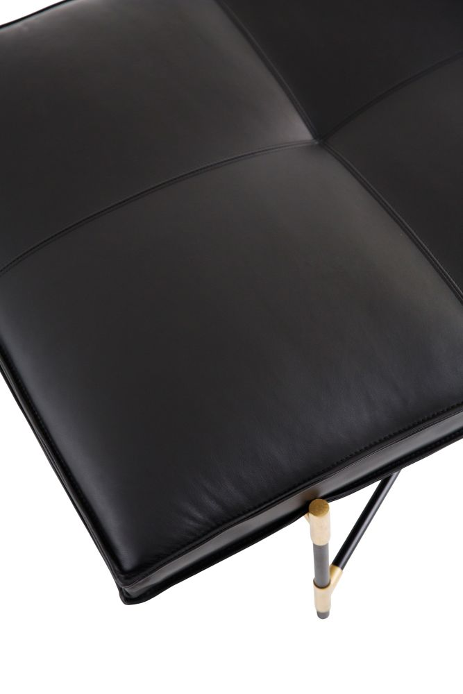 https://res.cloudinary.com/clippings/image/upload/t_big/dpr_auto,f_auto,w_auto/v1519056661/products/handv%C3%A4rk-daybed-brass-details-handv%C3%A4rk-emil-thorup-clippings-9873861.jpg
