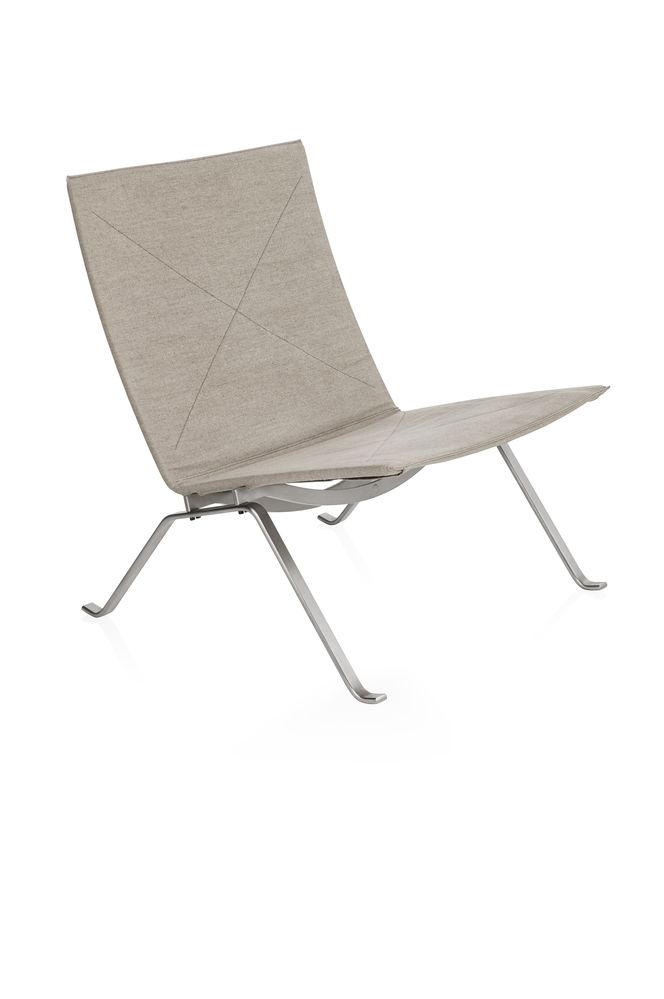 Elegance Leather Black,Fritz Hansen,Lounge Chairs,beige,chair,furniture,outdoor furniture,sunlounger,table