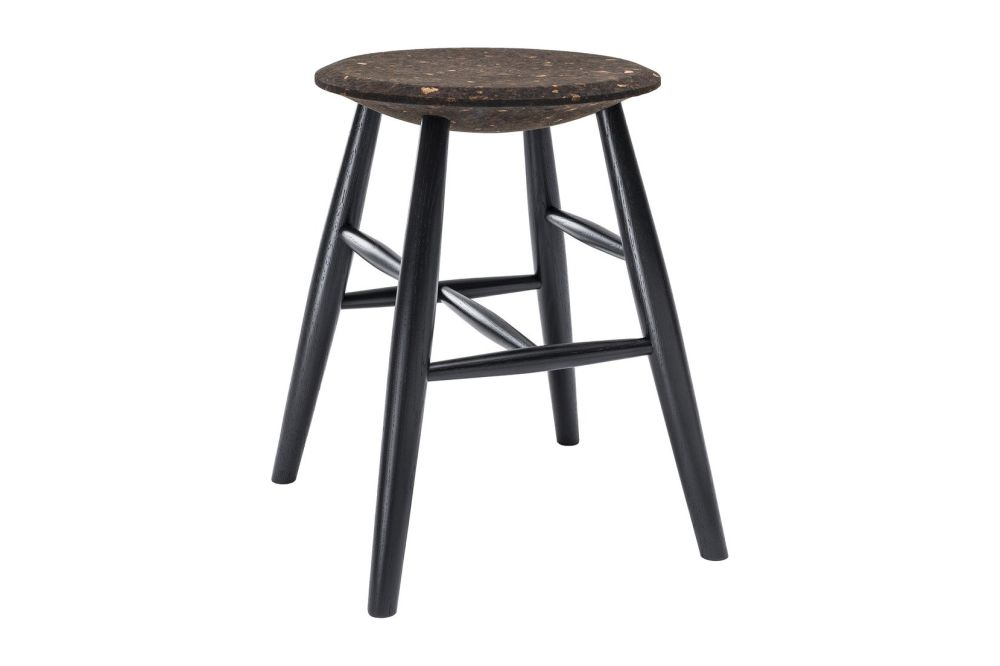 https://res.cloudinary.com/clippings/image/upload/t_big/dpr_auto,f_auto,w_auto/v1520415372/products/drifted-stool-hem-lars-beller-fjetland-clippings-9930791.jpg