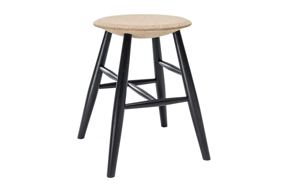 https://res.cloudinary.com/clippings/image/upload/t_big/dpr_auto,f_auto,w_auto/v1520415373/products/drifted-stool-hem-lars-beller-fjetland-clippings-9930821.jpg
