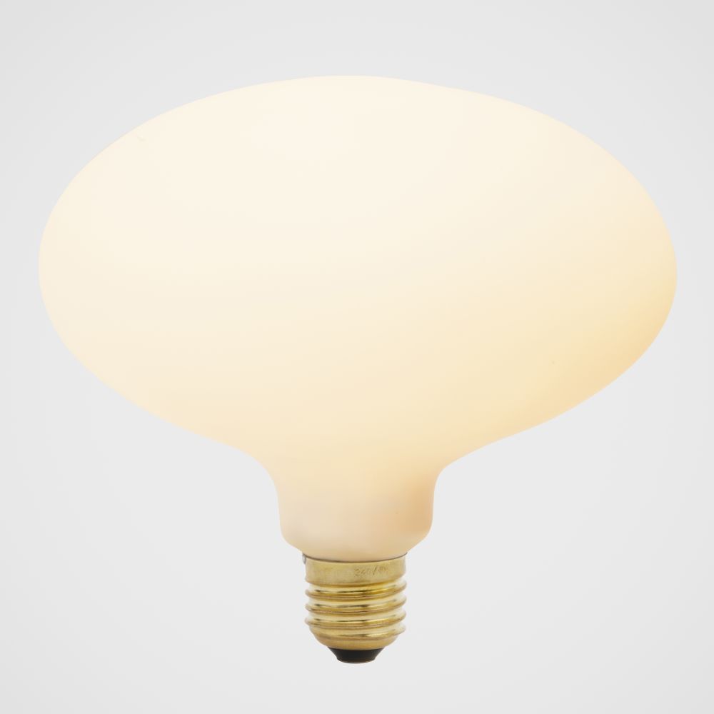 https://res.cloudinary.com/clippings/image/upload/t_big/dpr_auto,f_auto,w_auto/v1522763028/products/oval-6w-led-lightbulb-tala-clippings-10012701.jpg