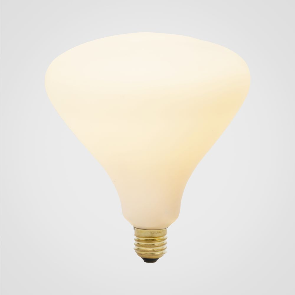 https://res.cloudinary.com/clippings/image/upload/t_big/dpr_auto,f_auto,w_auto/v1522764835/products/norma-6w-led-lightbulb-tala-clippings-10012881.jpg