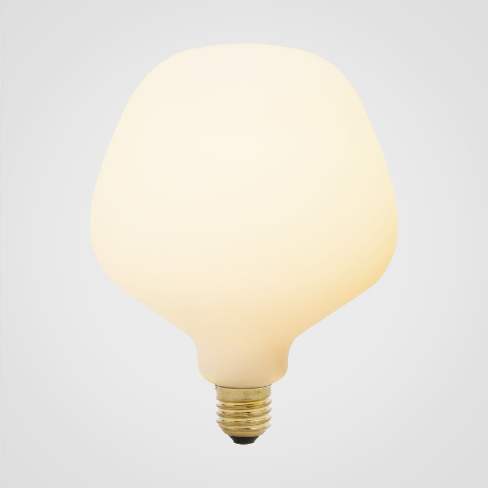 https://res.cloudinary.com/clippings/image/upload/t_big/dpr_auto,f_auto,w_auto/v1522769087/products/enno-6w-led-lightbulb-tala-clippings-10013391.jpg