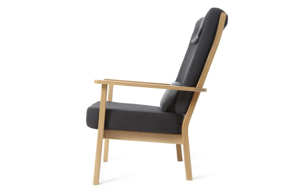 https://res.cloudinary.com/clippings/image/upload/t_big/dpr_auto,f_auto,w_auto/v1523422468/products/tyneside-lounge-chair-deadgood-david-irwin-clippings-10035871.jpg