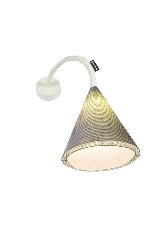 https://res.cloudinary.com/clippings/image/upload/t_big/dpr_auto,f_auto,w_auto/v1524125023/products/jazz-a-stripe-wall-light-es-artdesign-in-esartdesign-clippings-10072141.jpg