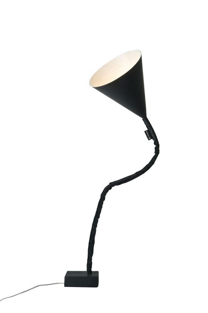 https://res.cloudinary.com/clippings/image/upload/t_big/dpr_auto,f_auto,w_auto/v1524126862/products/flower-lavagna-floor-lamp-es-artdesign-in-esartdesign-clippings-10073471.jpg