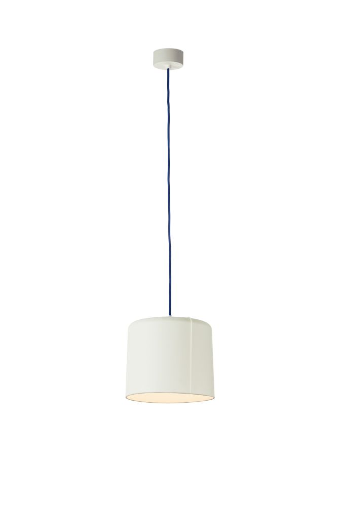 https://res.cloudinary.com/clippings/image/upload/t_big/dpr_auto,f_auto,w_auto/v1524197869/products/candle-2-pendant-light-es-artdesign-in-esartdesign-clippings-10080001.jpg