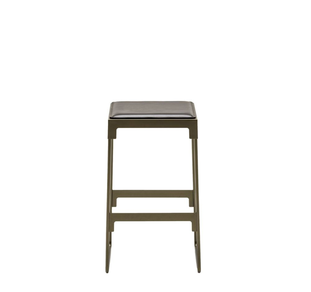 https://res.cloudinary.com/clippings/image/upload/t_big/dpr_auto,f_auto,w_auto/v1524474108/products/mingx-indoor-low-stool-driade-konstantin-grcic-clippings-10083111.jpg