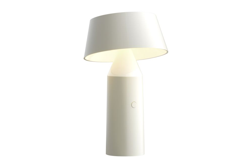 https://res.cloudinary.com/clippings/image/upload/t_big/dpr_auto,f_auto,w_auto/v1524729064/products/bicoca-table-lamp-marset-christophe-mathieu-clippings-10095381.jpg