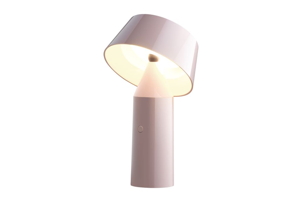 https://res.cloudinary.com/clippings/image/upload/t_big/dpr_auto,f_auto,w_auto/v1524729068/products/bicoca-table-lamp-marset-christophe-mathieu-clippings-10095401.jpg