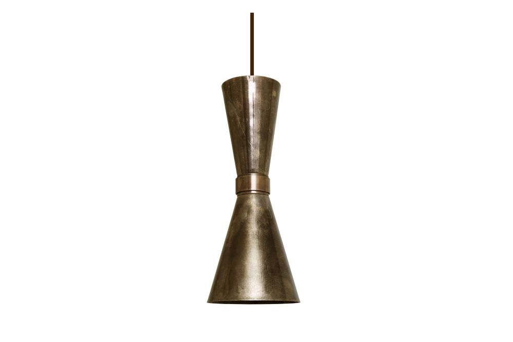 https://res.cloudinary.com/clippings/image/upload/t_big/dpr_auto,f_auto,w_auto/v1525251887/products/amias-pendant-light-mullan-mullan-lighting-clippings-10116141.jpg