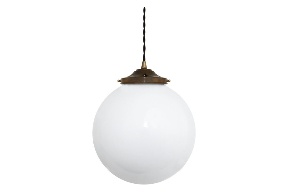 https://res.cloudinary.com/clippings/image/upload/t_big/dpr_auto,f_auto,w_auto/v1525256869/products/gentry-pendant-light-mullan-mullan-lighting-clippings-10118061.jpg